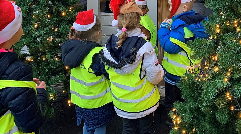 Kinderen tijdens het bezoek aan Brinkhoven